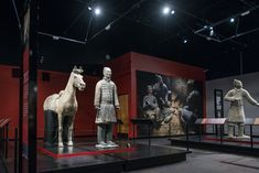 American Is Charged With Stealing Terra-Cotta Warriors Thumb