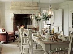 Hedgerow / A/W 2014 / Laura Ashley / Home Collection ... ambiente de inspira campo. Me gusta las lamparas colgantes con botellones de vino.