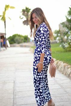 NAVY FLORAL MAXI DRESS 1-8-2014  Vestido / Dress: Sheinside (New) Collar / Necklace: Primark (New) Sandalias / Sandals: Mango (S/S 14)