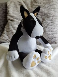 HUGGABULLZ designs, manufactures and sells high quality plush Bull Terrier toys for babies and kids. From a cuddly keychain to a giant 75cm Bullie hug!