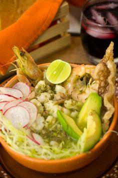 Prepara este platillo típico mexicano, con esta receta que ahora tu podrás hacer en casa de pozole verde receta fácil y muy rica que seguro habrás probado.