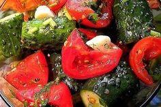 Gustare grecească pentru iarnă - sănătoasă și hrănitoare, ideală pentru zilele geroase! - Bucatarul Russian Recipes, Vegetable Salad, Pickles, Good Food, Appetizers, Favorite Recipes, Stuffed Peppers, Canning, Dinner