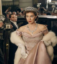 Princess Margaret was undeniably glamorous, intelligent and attractive to men. As actress Vanessa Kirby depicts the royal in Netflix series The Crown, we uncover how her looks can be recreated. Princess Margaret, Vanessa Kirby The Crown, The Crown Season 2, The Crown 2016, Crown Tv, The Crown Series, Crown Netflix, Vogue Uk, Belle Epoque