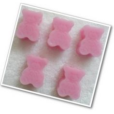 Teddy Soaps x 10 ~ PINK ~ Baby Powder ~ Novelty Soaps      Handmade moisturising, glycerine Teddy soaps with the Baby Powder fragrance, which are great for kiddies bath time fun or for Baby Shower Parties and Christenings.    The colour will be Pink and the fragrance is Baby Powder.    You will receive 10 Pink Teddy soaps.    SLS and Paraben Free.