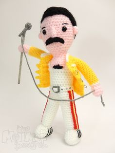 Scaramouche, Scaramouche, will you do the Fandango? #queen #freddiemercury #crochet #amigurumi #freepattern Made by Moji-Moji Design​!!