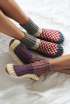 Knitting Socks, Hand Knitting, Alpaca Slippers, Knit Slippers, Winter Wear, Winter Socks, Sock Shoes, Knit Crochet, Winter Fashion