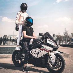 Biker Couple, Motorcycle Couple, Biker Love, Biker Girl, Biker Photoshoot, Duke Bike, Bmw Motors, Bike Bmw, Motorcycle Photography