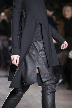 Rick Owens Fall 2014 RTW - Details - Fashion Week - Runway, Fashion Shows and Collections - Vogue