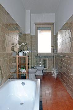Appartamento di 120 mq a Torino Mirafiori  - Bagno principale (03/2015)