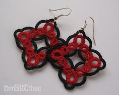 Red & Black Earrings. No picots, but great effect & striking color usage.
