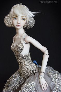 Porcelain Beauties by Marina Bychkova. These dolls are amazing!