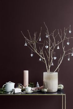 Warm up this autumn & winter with the new Broste Copenhagen collection. Get inspiration on how to decorate your home for the upcoming season. Christmas Vases, Gold Christmas Decorations, Noel Christmas, Scandinavian Christmas, White Christmas, Copenhagen Christmas, Homemade Home Decor, Deco Table, Merry And Bright