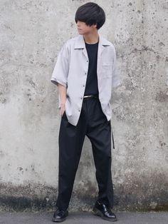 オープンカラーシャツ 中だけタックインするとワイドパンツ履いたとしても足長く見えるのでおすすめ