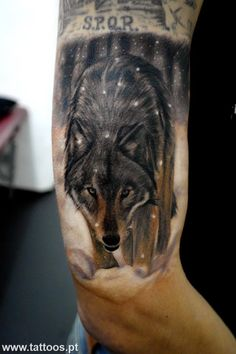 Wolf arm tattoo. Love it! http://www.pinterest.com/Zombieee420/