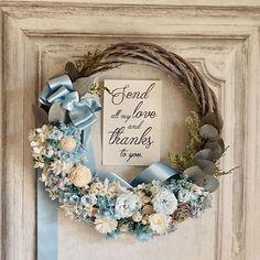 happy wedding!! ドレスにあわせて 制作させていただきました お花の色合いがかわいいので 土台やグリーンで シックさも出るように #bridal #flowerstagram #wreath #wreathsofinstagram #weddingflowers #weddingbouquet #リース #リースブーケ #ブーケ #ウェディング #フォトウェディング #ミモザリース #ナチュラルウェディング #ミモザ #ウェディングブーケ #weddingtrends #結婚式 #結婚式準備 #プレ花嫁 #日本中のプレ花嫁さんと繋がりたい #グリーンのある暮らし #前撮り #花のある暮らし #wedding #両親贈呈品 #bouquet #ドライフラワー #全国のプレ花嫁さんと繋がりたい