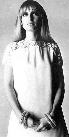 Vogue UK 1966 Sue Murray Photo by David Bailey