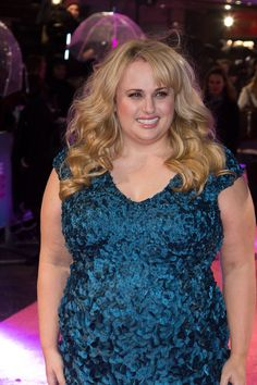 Rebel Wilson looking gorgeous at the premiere in London How To Be Single, Rebel Wilson, Looking Gorgeous, Lily Pulitzer, Red Carpet, Hollywood, Magazine, London, Fun