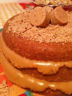 Naked Cake de Paçoca com Doce de Leite