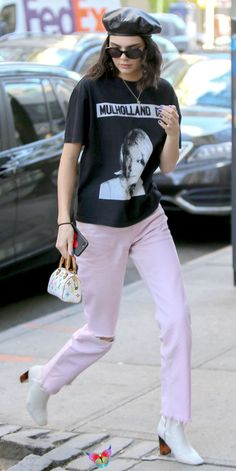 Kendall Jenner's Chic Street Style Kendall Jenner's Chic Street Style - May 2, 2017 from InStyle.com<br> See all of Kendall Jenner's chicest street style looks. Kendall Jenner Outfits, Kendall Jenner Mode, Kendalll Jenner, Calvin Klein, Style Snaps, Street Style Looks, Celebrity Style, My Style, Clothes