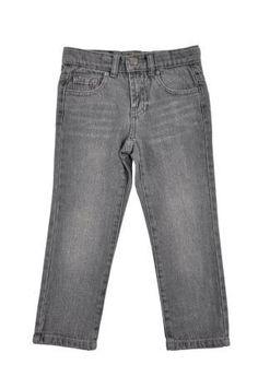 Pantalón tipo jeans para niño, en color gris.