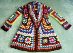 Crochet Granny Square Jacket T Crochet Bolero, Gilet Crochet, Crochet Coat, Crochet Cardigan Pattern, Crochet Jacket, Crochet Clothes, Crochet Girls, Crochet Baby, Crochet Granny