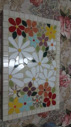 Mosaic Tile Stairs Patterns Ideas For 2019 Mosaic Glass, Mosaic Tiles, Glass Art, Mosaics, Mosaic Art Projects, Mosaic Crafts, Stained Glass Patterns, Mosaic Patterns, Diy Upcycled Decor