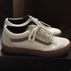 f6ea2c6cab Vans Old Skool Men s low size 7 Shoes
