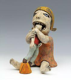 figura de cerâmica por Sara Swink