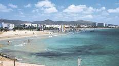 Find the perfect beachfront bar at Playa d'en Bossa #Ibiza