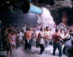 Google Image Result for http://magalove.com/slide/cropped-418066890bcm_nightclub__magaluf_4.jpg