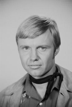 Jon VOIGHT (b. [Filmsite, OW] Notable films 1 of Midnight Cowboy Deliverance The All-American Boy Conrack The Odessa File Coming Home The Champ Lookin' to Get Out Table for Five Runaway Train Desert Bloom Eternity Actors Male, Tv Actors, Actors & Actresses, Hollywood Actor, Hollywood Stars, Jon Voight, Midnight Cowboy, Bette Davis Eyes, Actor John