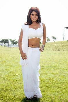 Hot Bhojpuri Indian actress in saree
