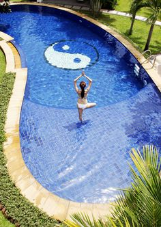 Yoga Swimming Pool YingYang