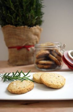 A shortbread cookie with a unique flavor compliments of rosemary ond brown butter