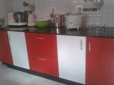 High gloss metallic kitchen