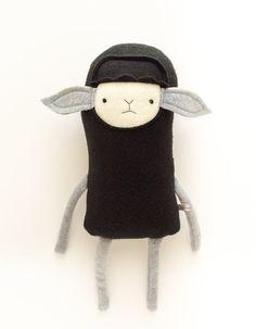 Plush Black Sheep Friend Finkelstein's Center par finkelsteins