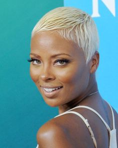 Short Hairstyle Ideas for Black Women A high-impact look, this platinum pixie cut is equal parts sexy and edgy.A high-impact look, this platinum pixie cut is equal parts sexy and edgy. Cute Short Haircuts, Short Black Hairstyles, Pixie Hairstyles, Short Hair Cuts, Trendy Hairstyles, Ethnic Hairstyles, Hairstyle Short, Wedding Hairstyles, 1940s Hairstyles