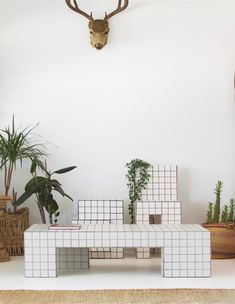 Crafted furniture that is just as much a feat of engineering as it is a work of art. Inspired by geometric forms and repetition. Cool Furniture, Furniture Design, Tiled Coffee Table, Tile Tables, Design Creation, Passion Deco, Diy Home Decor, Room Decor, New Room