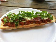 homemade pizza baguette Baguette, Vegetable Pizza, Homemade, Vegetables, Cooking, Food, Kitchen, Home Made, Essen