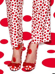 Picking Polka Dots - Louis Vuitton and Yayoi Kusama Collection Red Dots, Polka Dots, Dots Fashion, Shirt Designs, Yayoi Kusama, Louis Vuitton, My Favorite Color, Lady In Red, Tartan