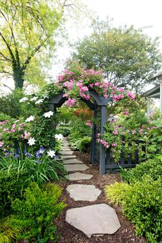Flower Gardening for Beginners. Lovely Flower Gardening for Beginners. Ten Steps to Starting A Garden Garden Arbor, Diy Garden, Garden Cottage, Garden Projects, Shade Garden, Backyard Garden Landscape, Garden Steps, Walkway Garden, Stone Garden Paths