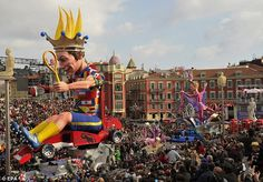 Move over Rio! French party at Nice carnival - and even the Queen was there… as a giant inflatable Cool Photos, Beautiful Pictures, Amazing Photos, Half Term Holidays, Giant Inflatable, French Riviera, South Of France, Have Some Fun, The Good Place