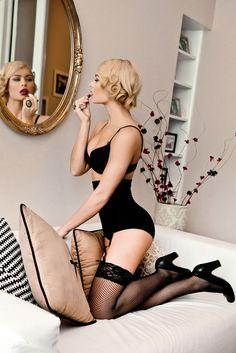Behind the Beauty: Boudoir. Makeup Vanessa Valliant (I love this idea, Melissa!!)