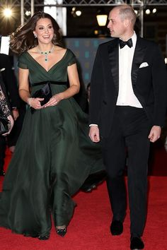 Kate Middleton Photos - Catherine, Duchess of Cambridge attends the EE British Academy Film Awards (BAFTA) held at Royal Albert Hall on February 2018 in London, England. - The Duke and Duchess of Cambridge Attend the EE British Academy Film Awards Style Kate Middleton, Kate Middleton Outfits, Kate Middleton Photos, Pippa Middleton, Duchess Kate Pregnant, The Duchess, Duchess Of Cambridge, Angelina Jolie, Jennifer Lawrence
