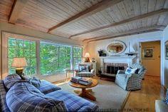 sweet lounge cottage loungeroom