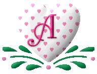 Alfabeto de corazones con corazoncitos.