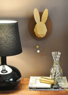 Op het gebied van muurdecoratie is er van alles te vinden. Wij spotten deze papieren konijnenkopjes. Wil jij ze aan de muur? Je kunt dit konijn vouwen.