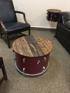 Pallet table top for bass drum coffee table