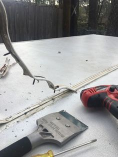 Pop Up Camper Leaks - How to Do It Yourself Fixing a pop up camper roof that is leaking can be done as a DIY project.Fixing a pop up camper roof that is leaking can be done as a DIY project. Pop Up Tent Trailer, Camping Trailer Diy, Camping Car, Tent Trailers, Camping Tips, Backpacking Meals, Ultralight Backpacking, Hiking Tips, Hiking Gear