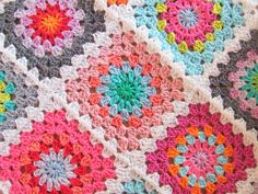 Colorful Granny Square Throw, obviously. This page is in Dutch, but Google Chrome will translate it.